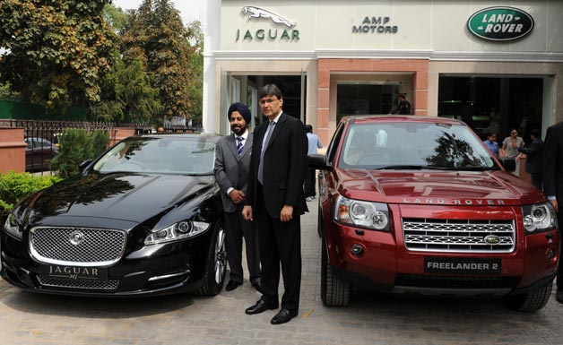 Jaguar XJ and Land Rover Freelander 2