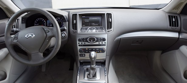 2012 Infiniti G25 interior