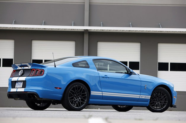 2013 Ford Shelby GT500 rear 3/4 view