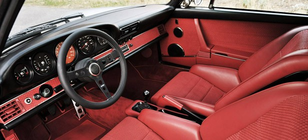 Porsche 911 Restored by Singer interior