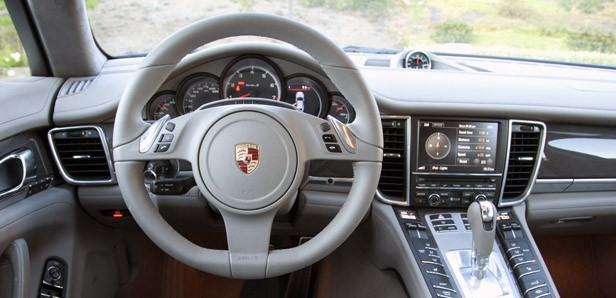 2012 Porsche Panamera Turbo S interior