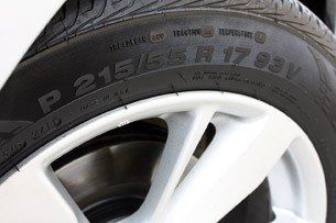 2013 Nissan Altima tire
