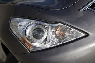2012 Infiniti G25 headlight