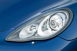2012 Porsche Panamera Turbo S headlight