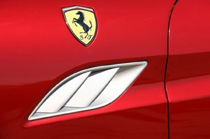 2013 Ferrari California side vent