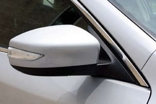2013 Nissan Altima side mirror