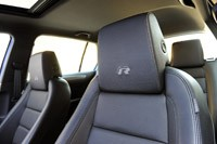 2012 Volkswagen Golf R front seats