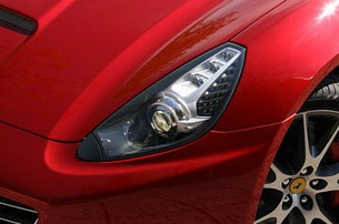 2013 Ferrari California headlight