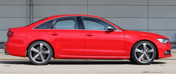 2013 Audi S6 side view