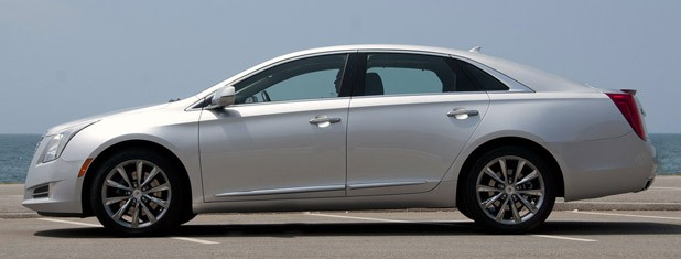 2013 Cadillac XTS side view