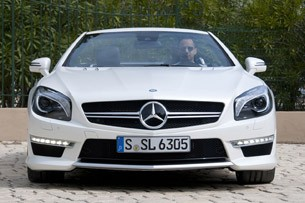 2013 Mercedes-Benz SL63 AMG front view