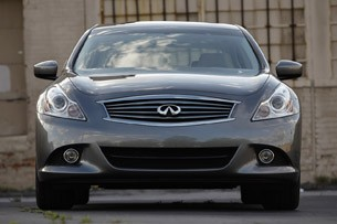 2012 Infiniti G25 front view