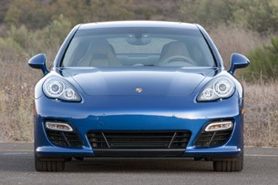 2012 Porsche Panamera Turbo S front view