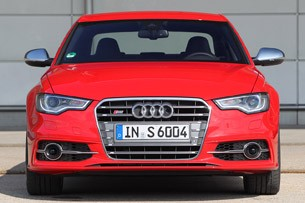 2013 Audi S6 front view