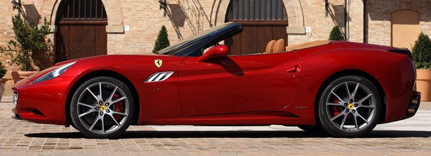 2013 Ferrari California side view