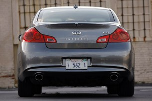 2012 Infiniti G25 rear view