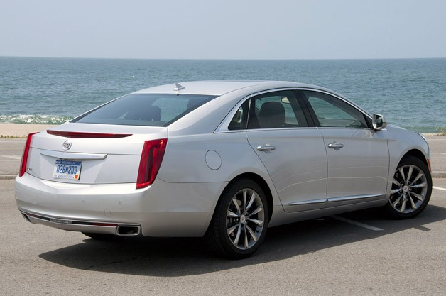 2013 Cadillac XTS rear 3/4 view