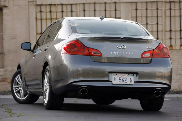 2012 Infiniti G25 rear 3/4 view