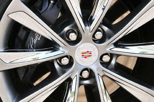 2013 Cadillac XTS wheel detail