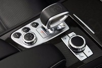 2013 Mercedes-Benz SL63 AMG gear selector