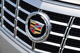 2013 Cadillac XTS grille