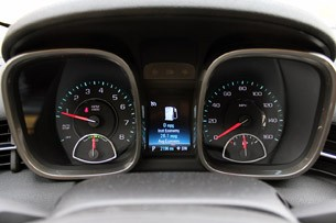 2013 Chevrolet Malibu Eco gauges