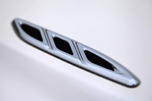 2012 Buick Verano hood vent