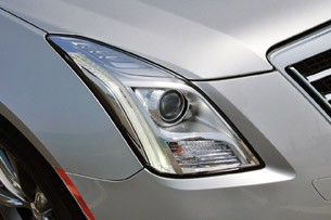 2013 Cadillac XTS headlight