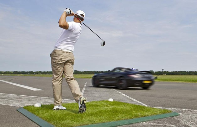 Mercedes-Benz golf-drive stunt