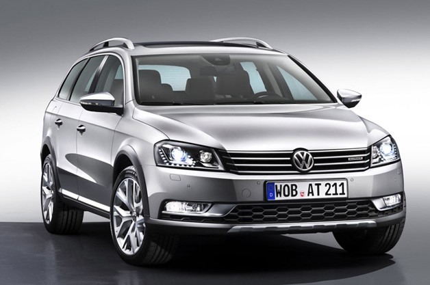Volkswagen Passat Alltrack - front three-quarter studio image