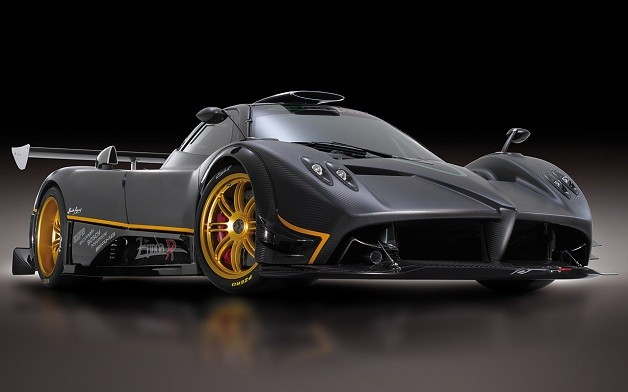 Pagani Zonda R - black - front three-quarter studio view