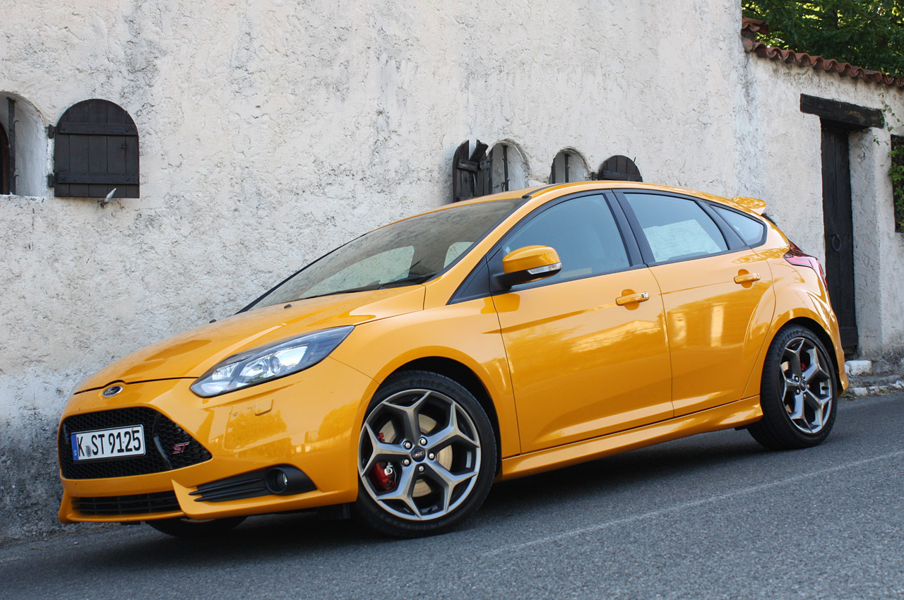ford profiles surprisingly affluent focus st buyers autoblog. Black Bedroom Furniture Sets. Home Design Ideas