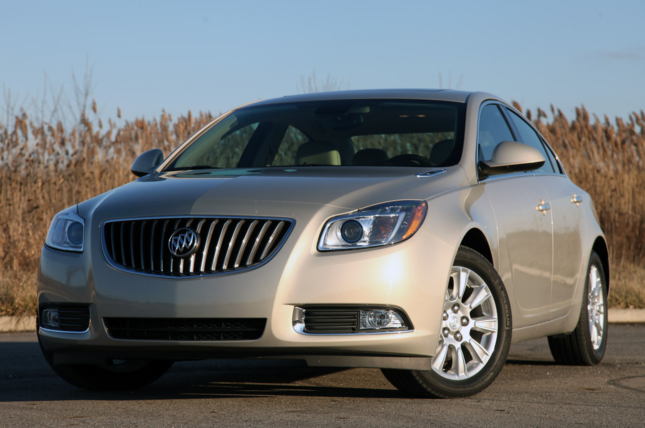 2012 buick regal eassist w video autoblog. Black Bedroom Furniture Sets. Home Design Ideas