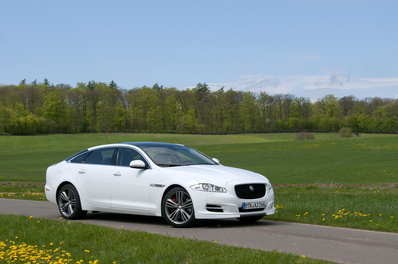 2012 jaguar xj sport and speed w video autoblog. Black Bedroom Furniture Sets. Home Design Ideas