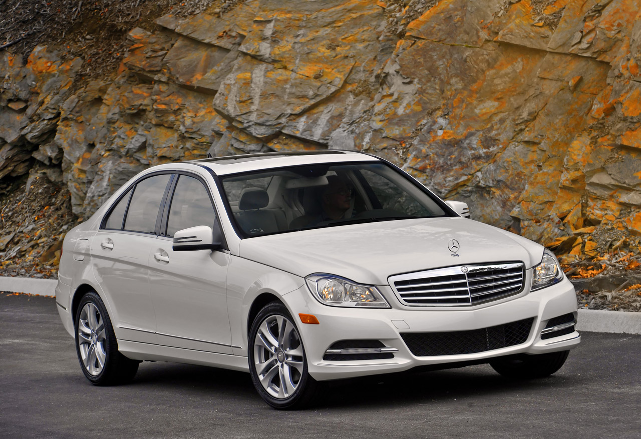 2013 mercedes benz c300 4matic to get detuned 3 5l v6 for Mercedes benz v6