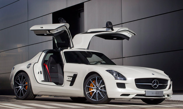 2013 Mercedes-Benz SLS AMG GT - white - front three-quarter view