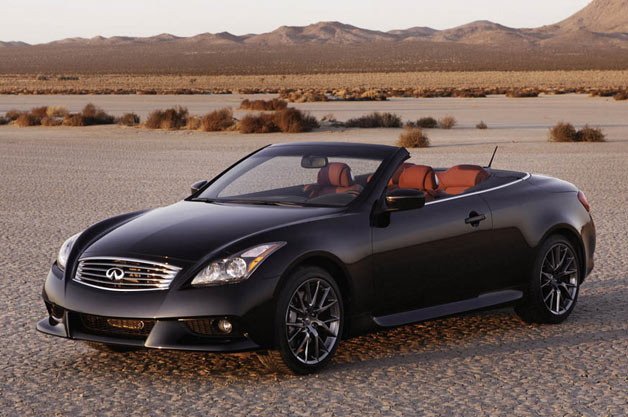 2013 Infiniti IPL G Convertible - front three-quarter top-down view