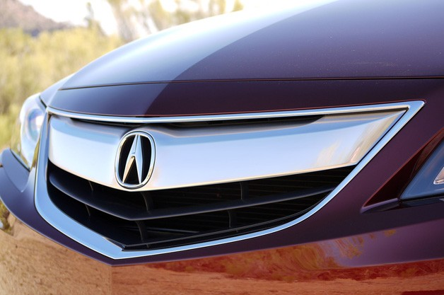 "acura ilx beak 628 New Acura design chief admits company went ""a little overboard"" with The Beak"