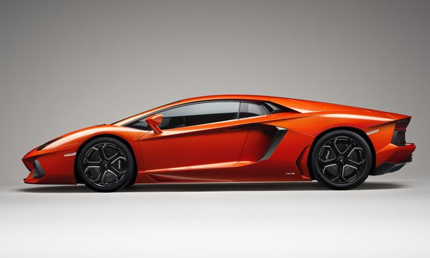 Lamborghini Aventador LP700-4 - orange - profile studio photo