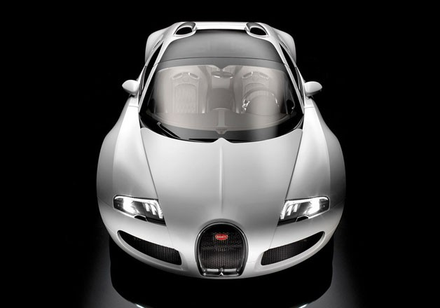 Bugatti Veyron Grand Sport - silver - dead-on overhead studio view
