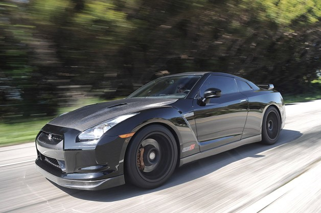 2012 AMS Alpha 12 GT-R driving