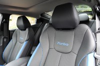 2013 Hyundai Veloster Turbo front seats