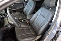 2013 Hyundai Elantra GT front seats