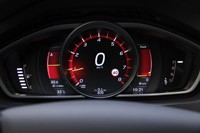 2013 Volvo V40 gauges