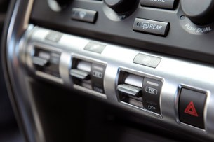 2012 AMS Alpha 12 GT-R drive mode toggles
