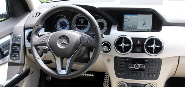 2013 Mercedes-Benz GLK interior
