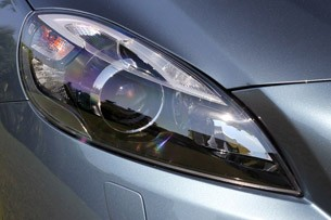 2013 Volvo V40 headlight