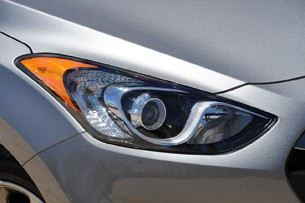 2013 Hyundai Elantra GT headlight