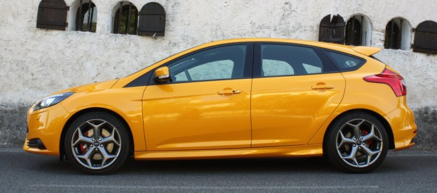 2013 Ford Focus ST side view