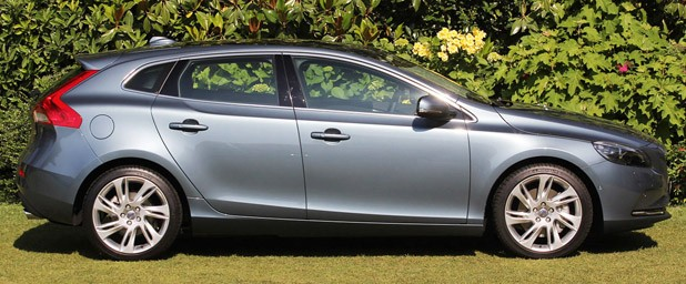 2013 Volvo V40 side view